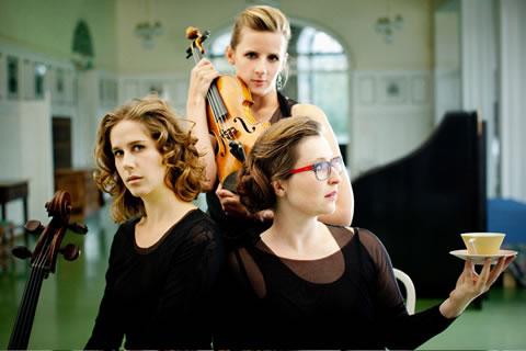 Atzenbrugg 2015 Foto Trio Frühstück